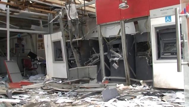 Grupo explodiu bancos e fez pacientes reféns em Ipirá, mas não conseguiu arrombar cofres