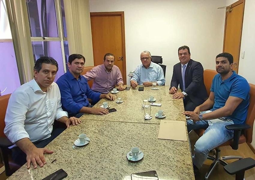 Deputado Marquinho Viana participa de audiência na SDR com prefeito de Érico Cardoso e o vice de Paramirim