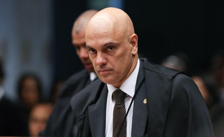 Moraes nega liberdade a Lula e arquiva pedido da defesa para enviar caso à Segunda Turma do STF
