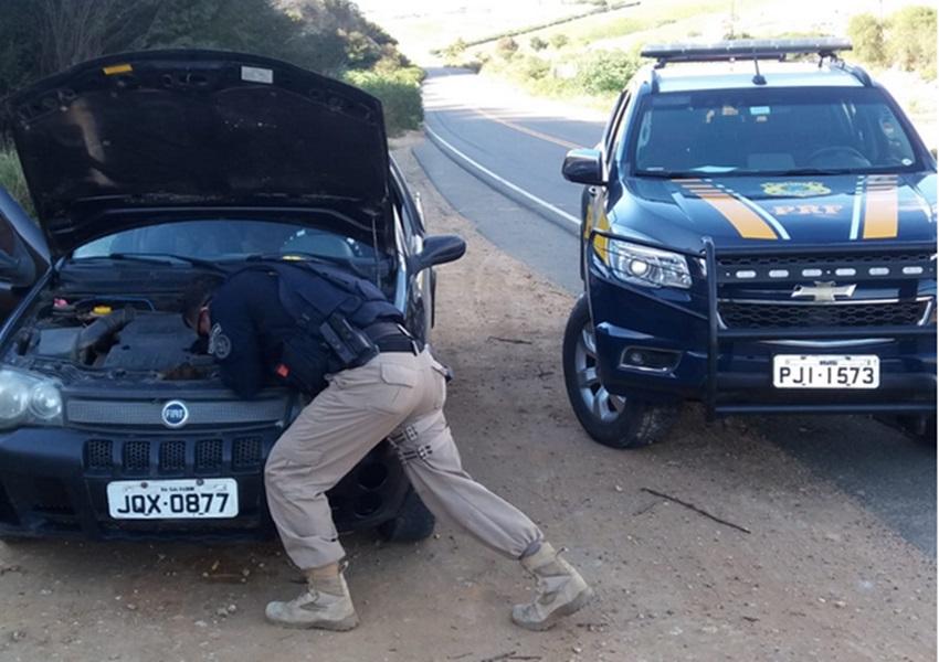 Jaguaquara: PRF conduz motorista com carro adulterado e documento falso na BR-420