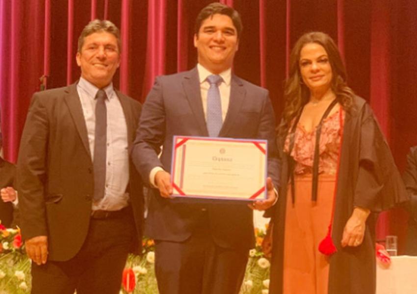 Deputado estadual Vitor Bonfim (PR) foi diplomado para seu segundo mandato