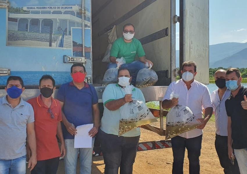 Parceria entre Prefeitura e Bahia Pesca garante doação de 50 mil alevinos para Livramento