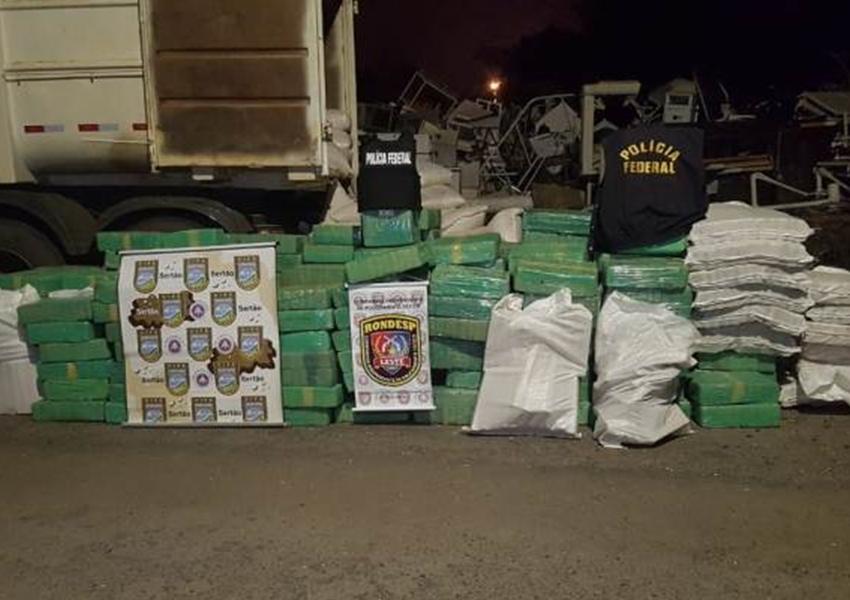 Três toneladas de maconha são apreendidas em caminhão com carga de milho na BR-116