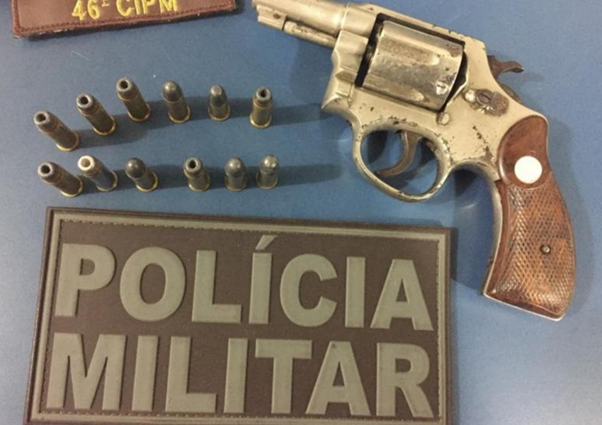 Paramirim: Trio é detido acusado de porte ilegal de arma de fogo