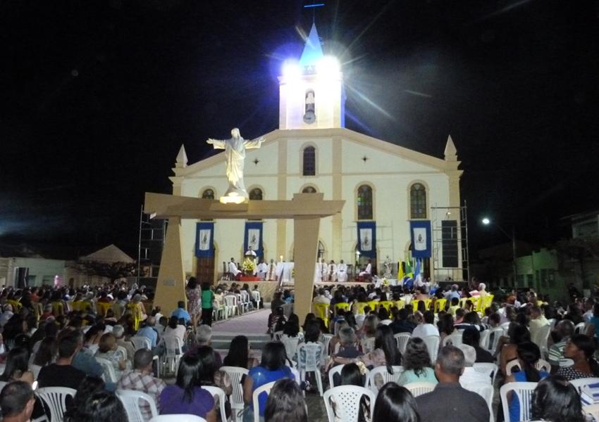 Pesquisa Datafolha: 50% dos brasileiros são católicos, 31%, evangélicos e 10% não têm religião