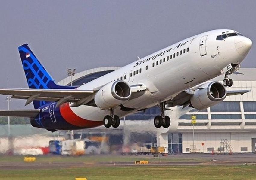 Encontrados corpos e destroços do Boeing 737 que caiu na Indonésia