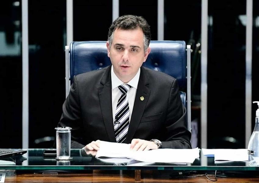 Pacheco devolve MP das fake news e impõe nova derrota a Bolsonaro