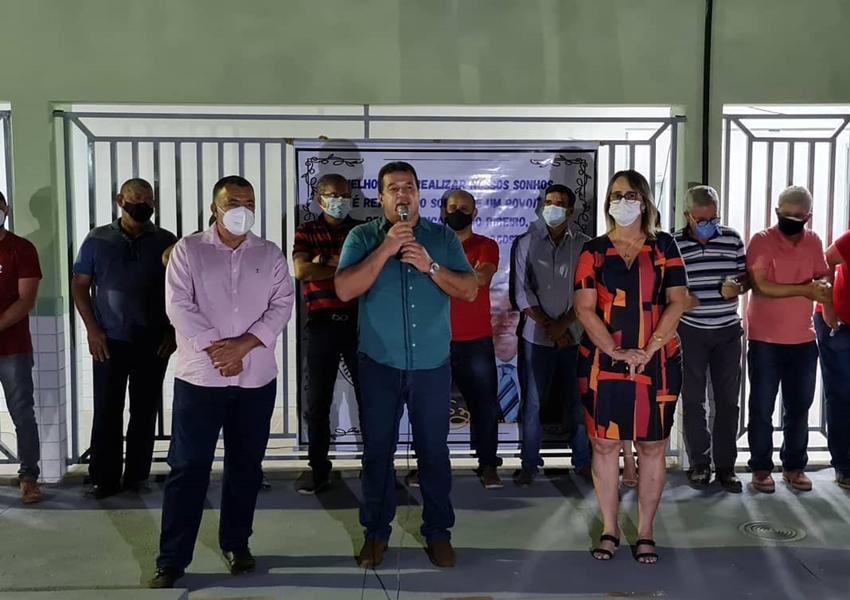 Em Livramento, Deputado Marquinho Viana participa de inauguração de Escola e vista à barragem de Tamboril
