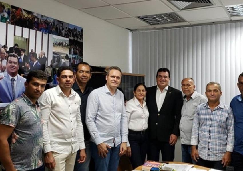Deputado Marquinho Viana recebe prefeito de Tabocas do Brejo Velho e vereadores