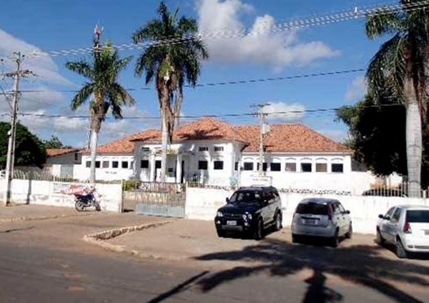 Prefeitura de Ituaçu contrata serviços de advocacia no valor de R$ 100 mil em plena pandemia de Covid-19