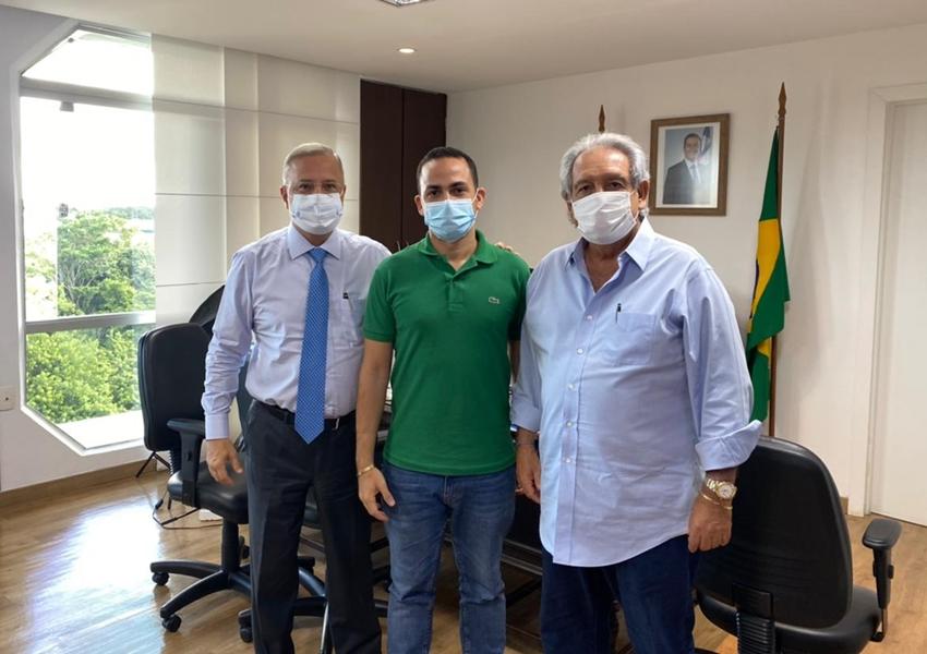 Ituaçu: Prefeito Phellipe Brito recebe dois respiradores para dar suporte aos pacientes com Covid 19