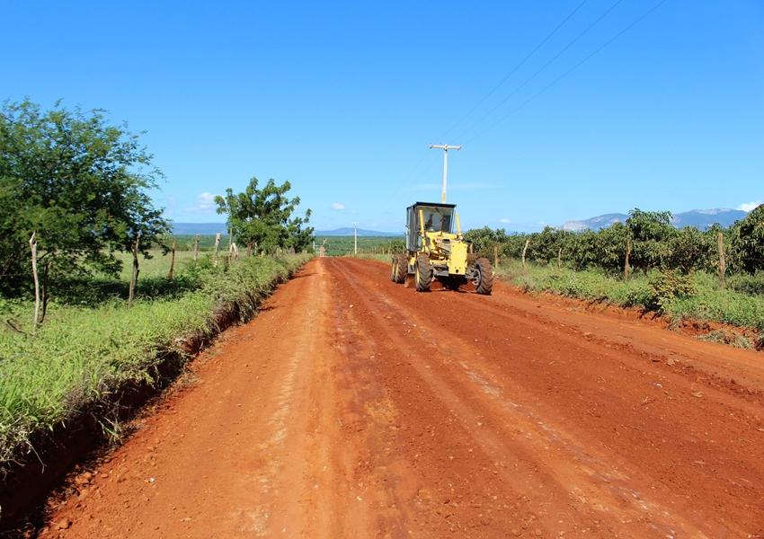 Iniciado os trabalhos de manutenção de estradas de Livramento de Nossa Senhora