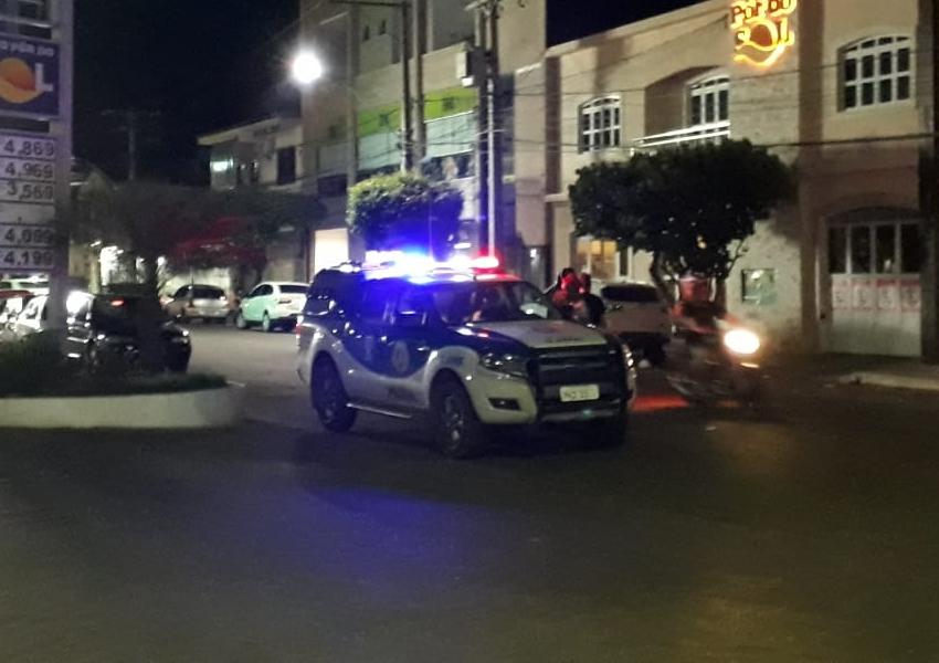 Dois homens são encaminhados à delegacia após briga em bar de Livramento