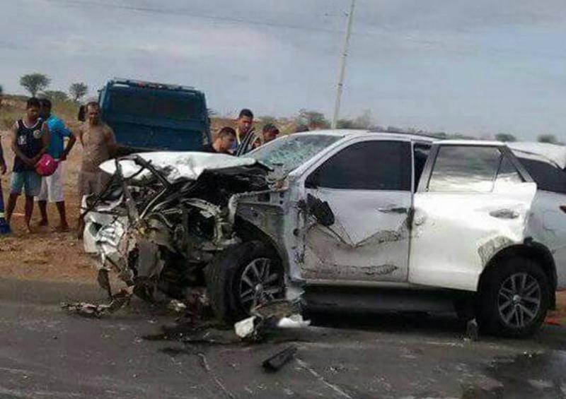 Quatro pessoas da mesma família morrem em batida entre dois carros em Irecê; criança de 3 anos está entre vítimas