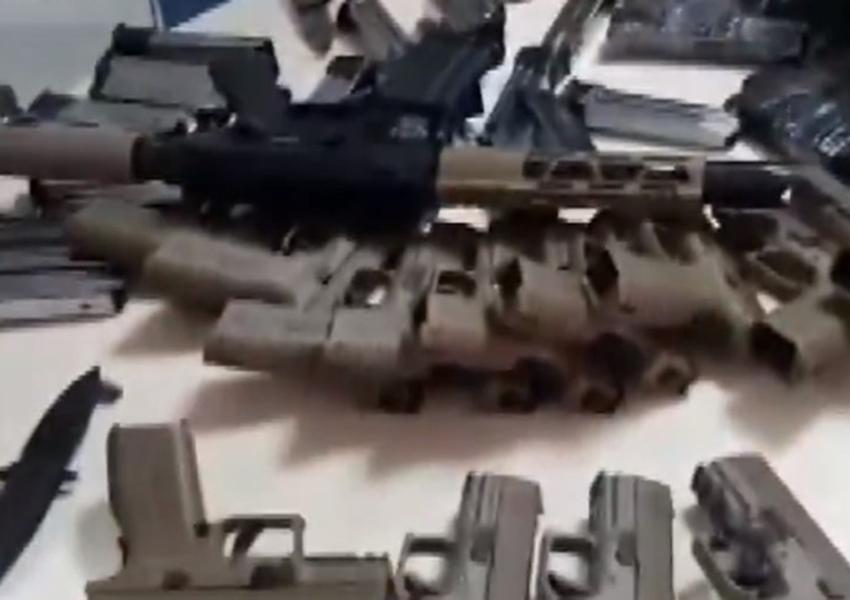 Conquista: Homem é preso com seis fuzis e 23 pistolas em ônibus na BR-116