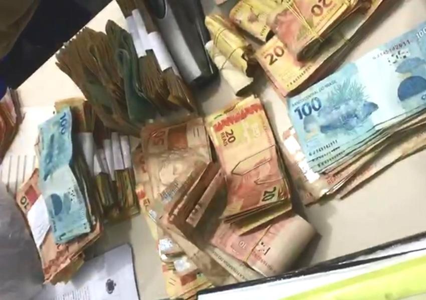 Suspeito de tráfico de drogas é preso com R$ 74 mil