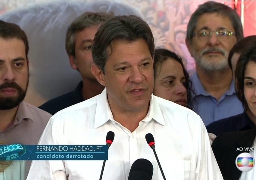 Após vitória de Bolsonaro, Haddad fala em compromisso com a democracia