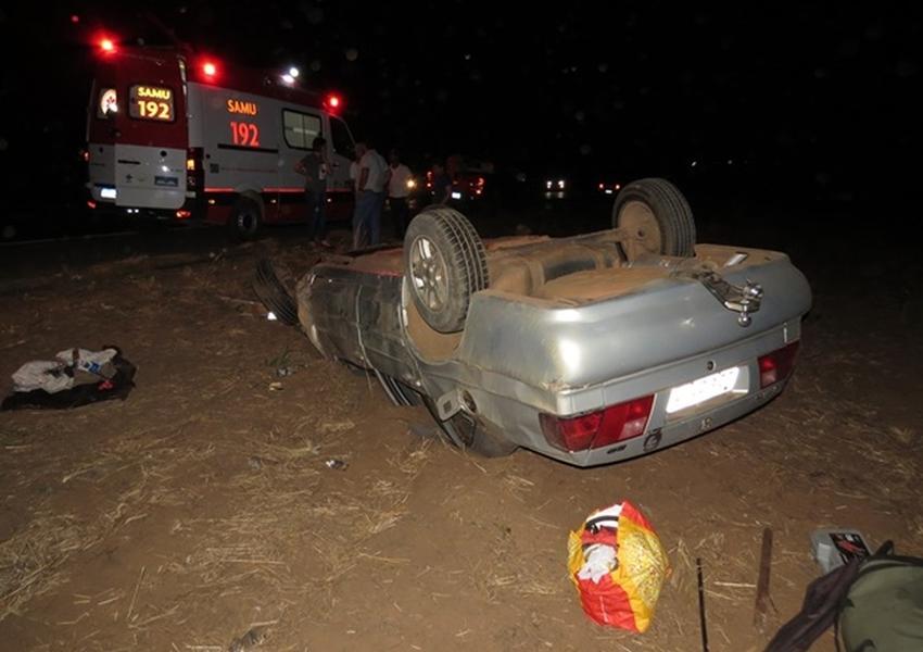 Idoso passa mal, perde controle da direção e veículo capota em rodovia do oeste da Bahia