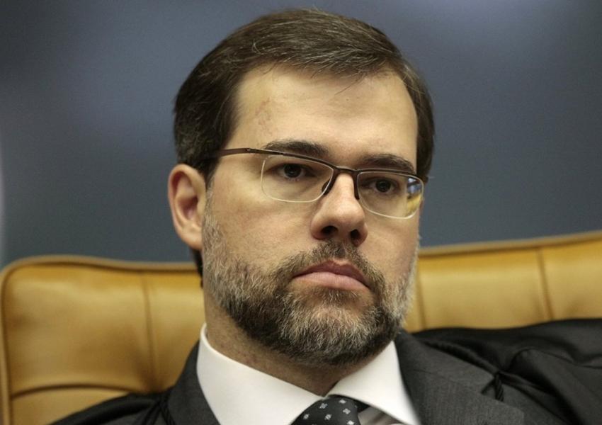 Presidente do STF proíbe entrevista de Lula e manda caso para plenário
