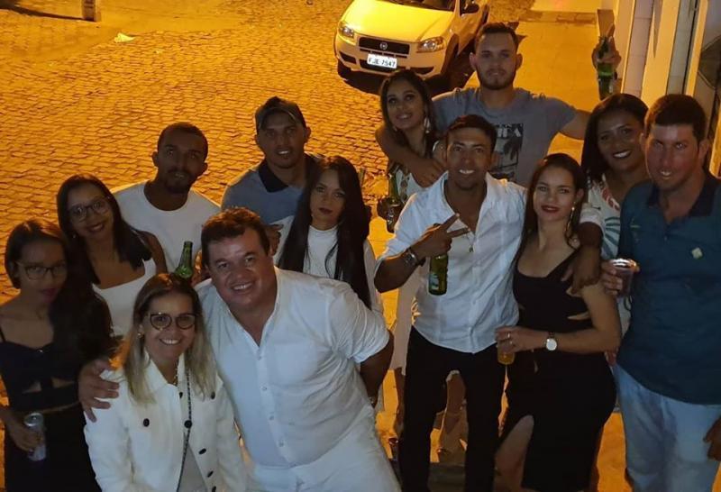 Deputado Marquinho Viana festeja a virada do ano em Barra da Estiva