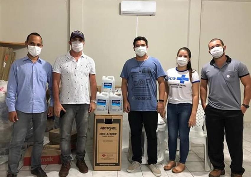 Dom Basílio: Empresário Fábio Bonfim realiza doação de 60 litros de álcool em gel para Secretaria de Saúde
