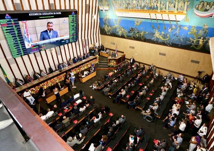 Sessão solene marca início da 19ª legislatura da Assembleia