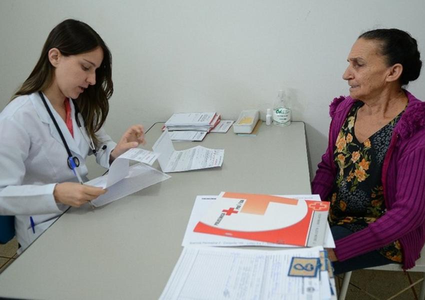 Mais Médicos seleciona profissionais para 77 municípios baianos: Dom Basílio e Livramento estão na lista