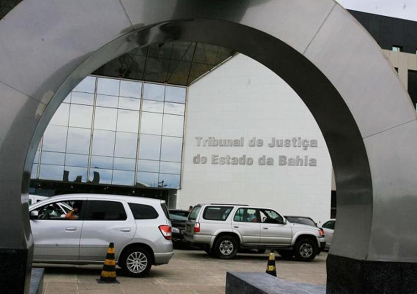 Juíza dá 5 dias para governo explicar corte nas universidades
