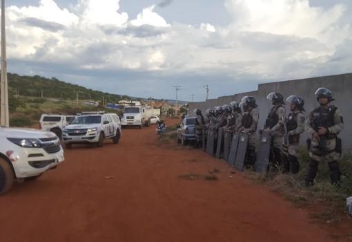 Brumado: com apoio da Polícia prefeitura fez reintegração de posse de terreno próximo ao IFBA
