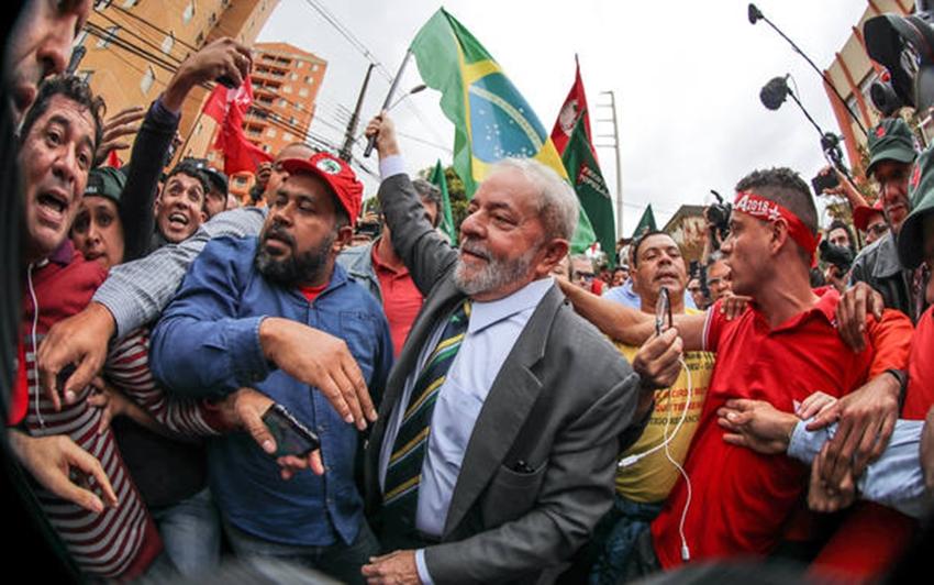 Em nova pesquisa Datafolha, Lula venceria 1° e 2° turnos a eleição presidencial de 2018