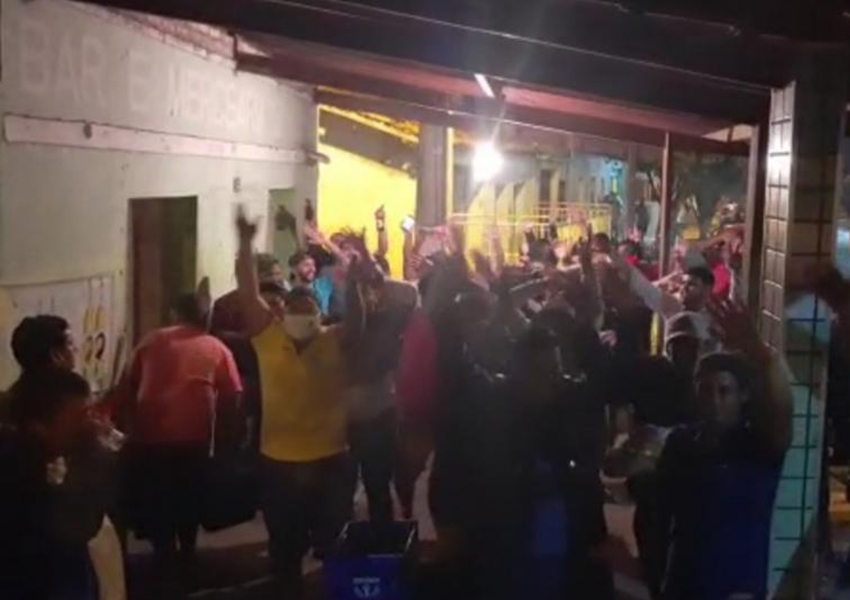 Apoiadores da pré-candidata Braulina fazem aglomeração e política antecipada em Aracatu