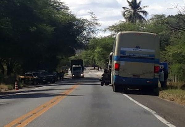 Passageiro de ônibus da Novo Horizonte foi preso na BR-030 transportando cocaína