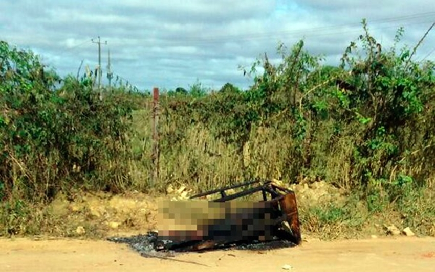 Corpo carbonizado é encontrado as margens do Anel Rodoviário em Vitória da Conquista