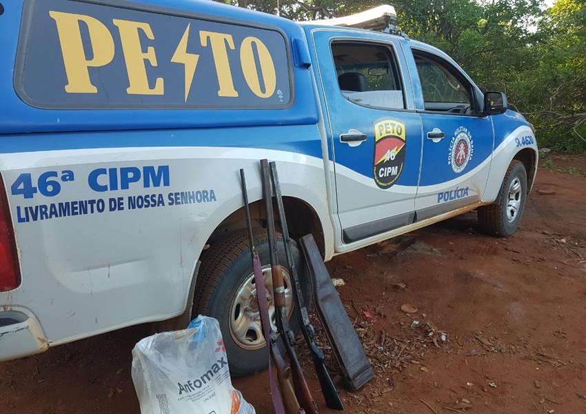 PM detém indivíduos por porte ilegal de armas e posse de explosivo na zona rural de Livramento