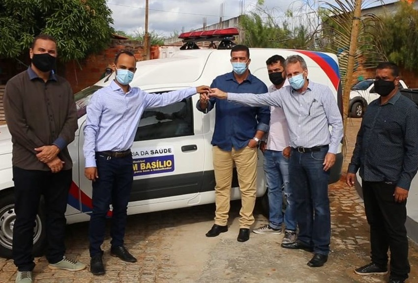 Dom Basílio: Prefeito entrega ambulância durante inauguração do Centro de Reabilitação
