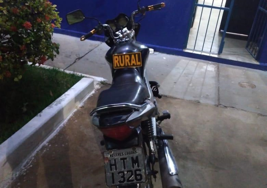 Dom Basílio: Polícia Militar recupera moto roubada em 2016