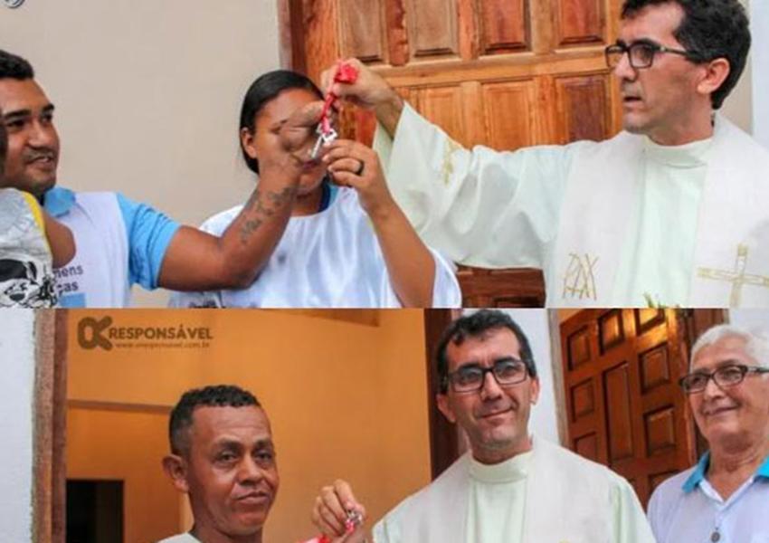 Padre entrega casas construídas com dinheiro do dízimo para famílias carentes de Macarani