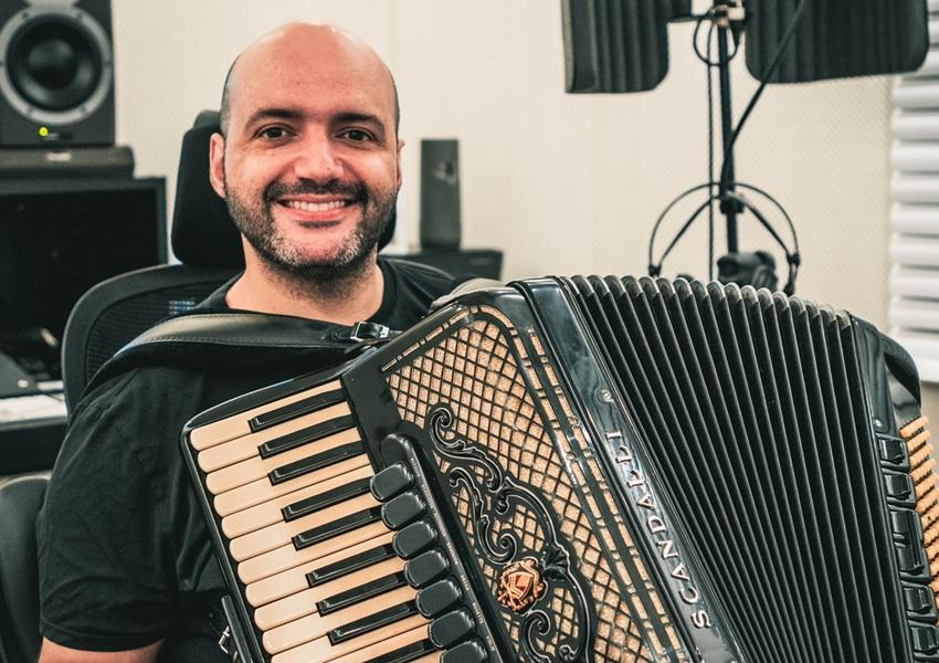 Banda Rasta Chinela volta aos estúdios com Bolinha Sanfona e promete grandes sucessos