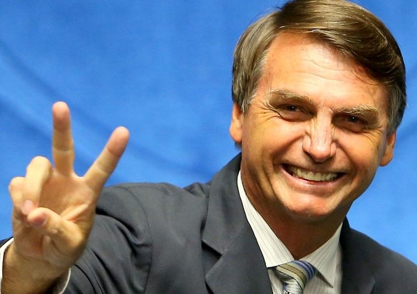 Bolsonaro lidera pesquisa com 30% após ser alvo de ataque