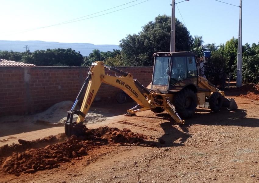 Livramento: Após parceria entre prefeitura e empresários, Povoado dos Patos recebe implantação de adutora