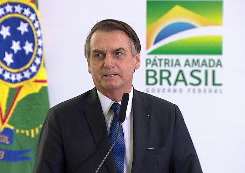 Bolsonaro confirma 13º salário para beneficiados do programa Bolsa Família