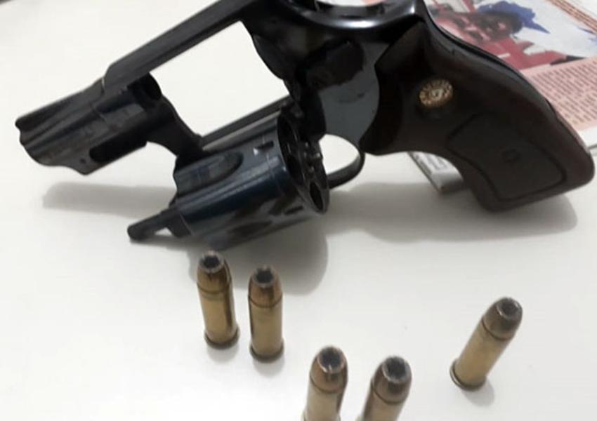 Livramento: PM apreende arma de fogo usada por indivíduo para ameaçar populares em bar de Jussiape