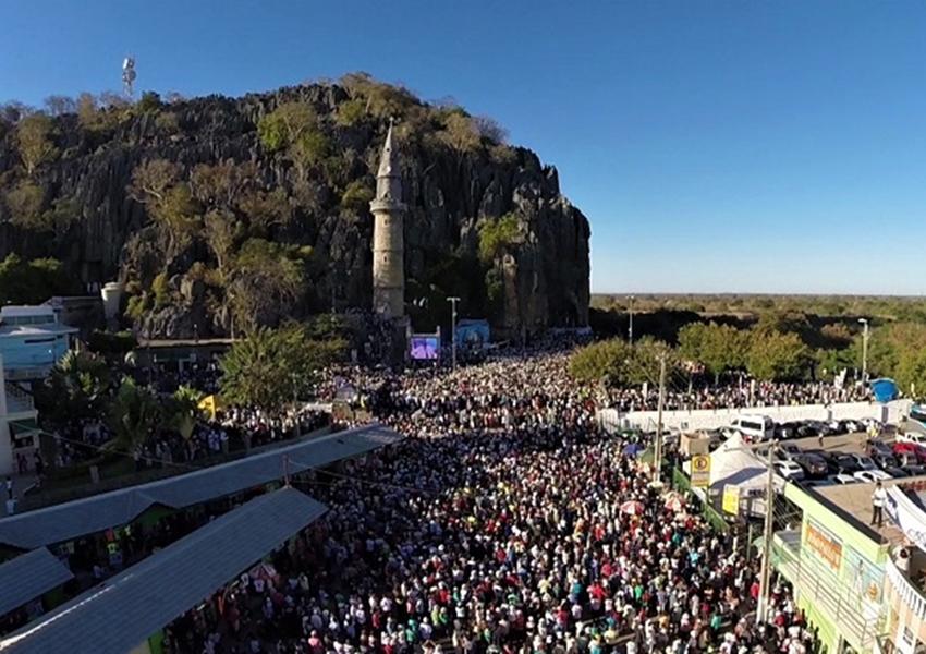 Lapa: Tradicional romaria bate recorde e leva mais de 1 milhão à cidade