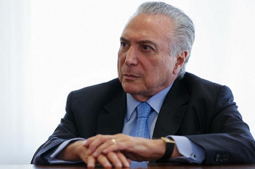 Temer libera R$ 200 milhões em emendas orçamentárias para livrar Aécio