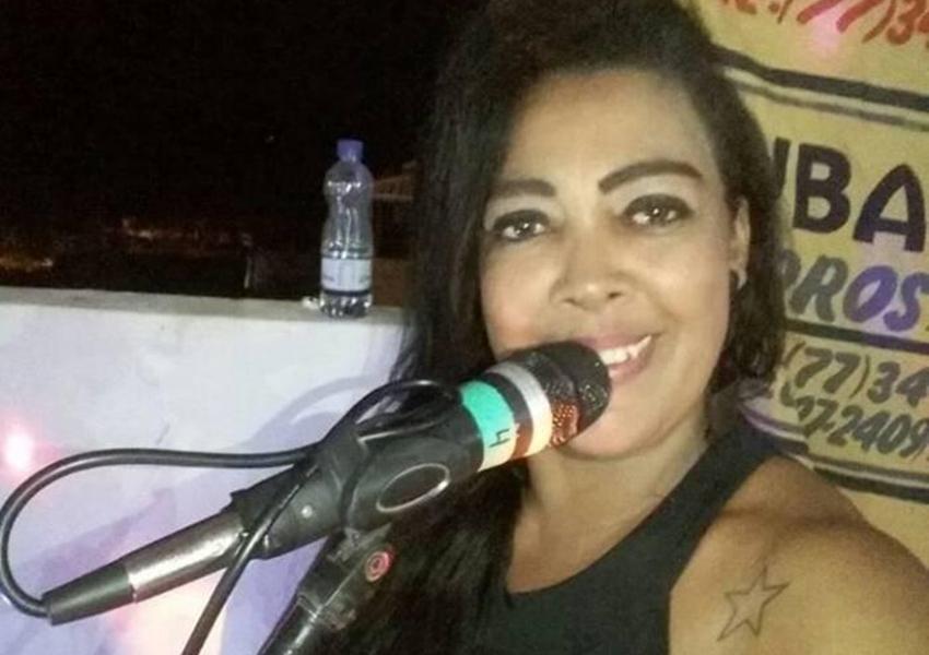 Livramento: Cantora Cristina Costa morre aos 44 anos vítima de AVC