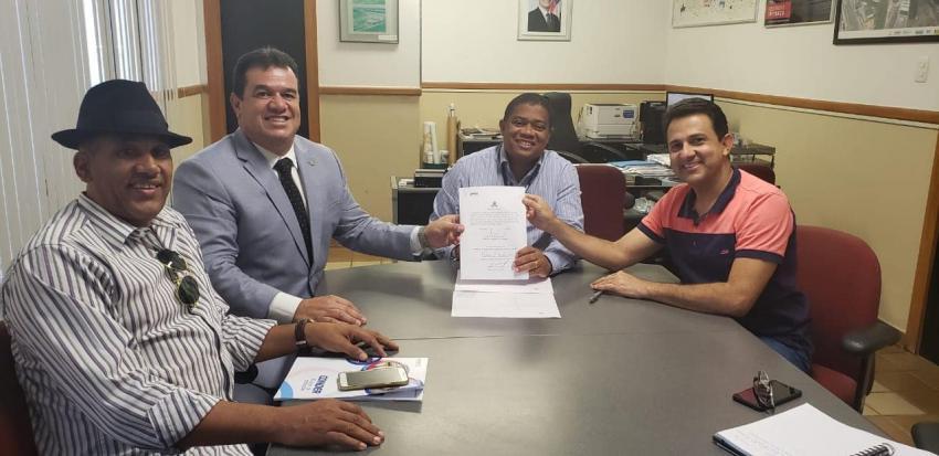Deputado Marquinho Viana e prefeito de Rio de Contas na Conder