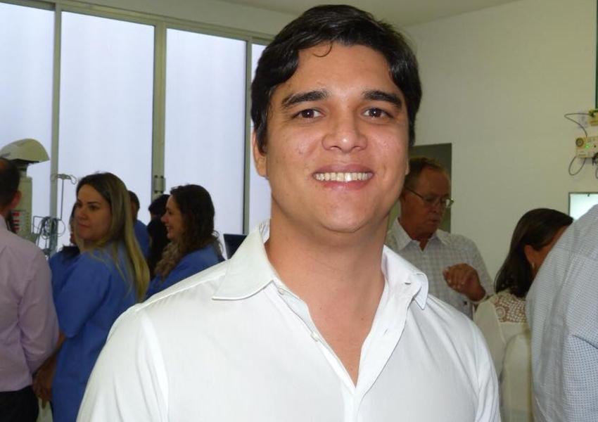 Deputado Vitor Bonfim comemora mais uma obra para Brumado