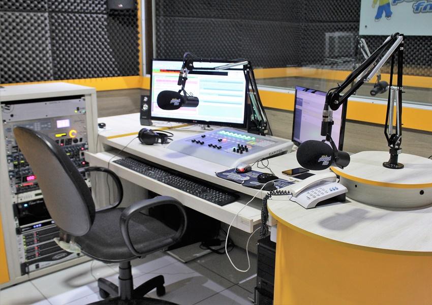 Com pandemia do coronavírus, rádio ganha força e novos anunciantes
