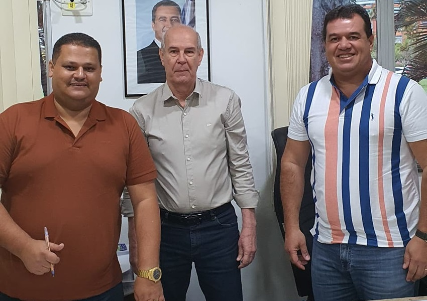 Deputado Marquinho Viana na CERB agiliza abastecimento de água para Ibicoara