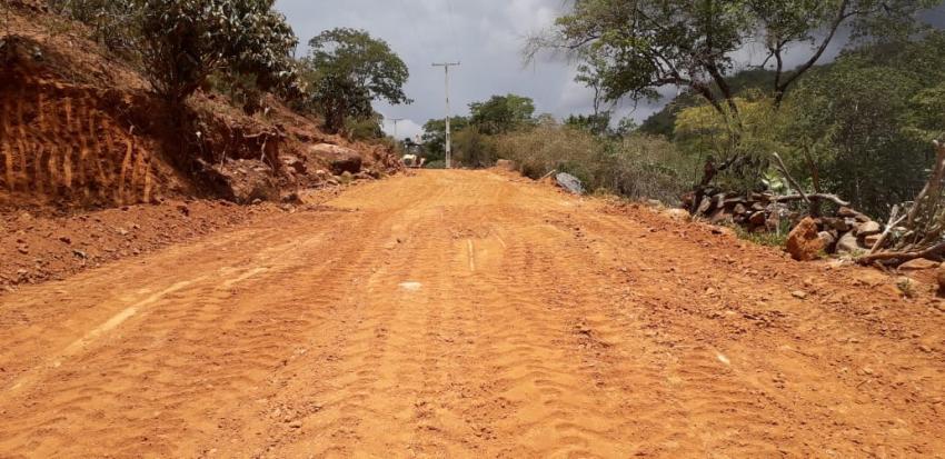 Ricardinho anuncia recuperação de estradas na zona rural de Livramento